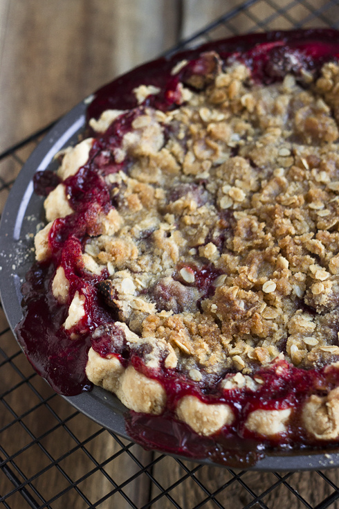 Slap – {Strawberry Vanilla Crumb Pie}