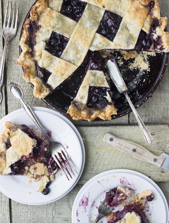 Window – {Blueberry Pear Pie}