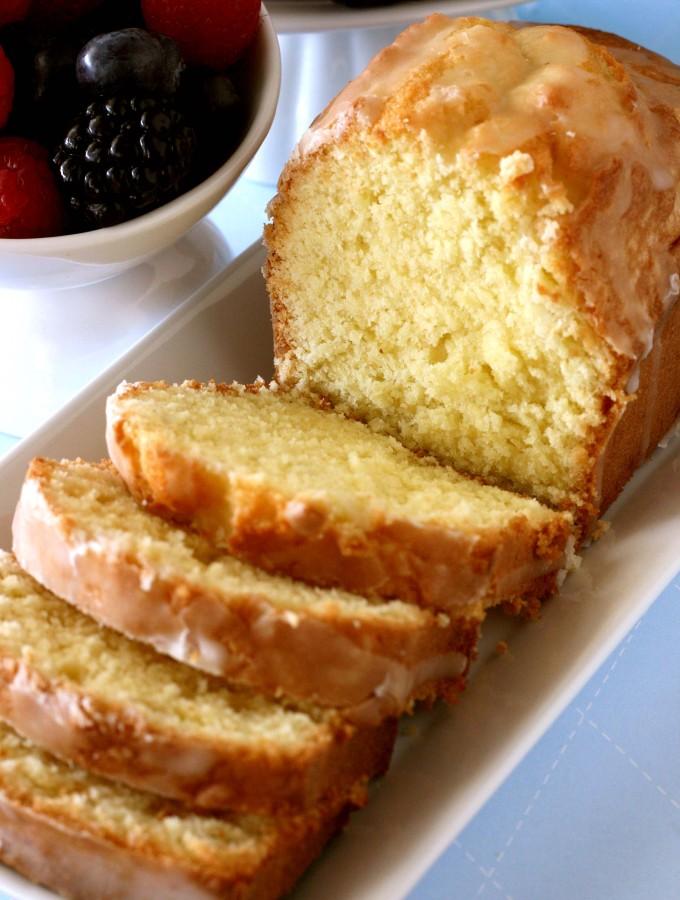 Of Friends and Cake – {Lemon Pound Cake}